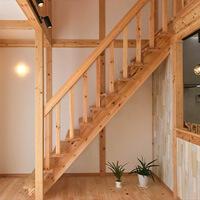 サイエンスホーム八戸|ひのきづくし10のお品書き「階段」